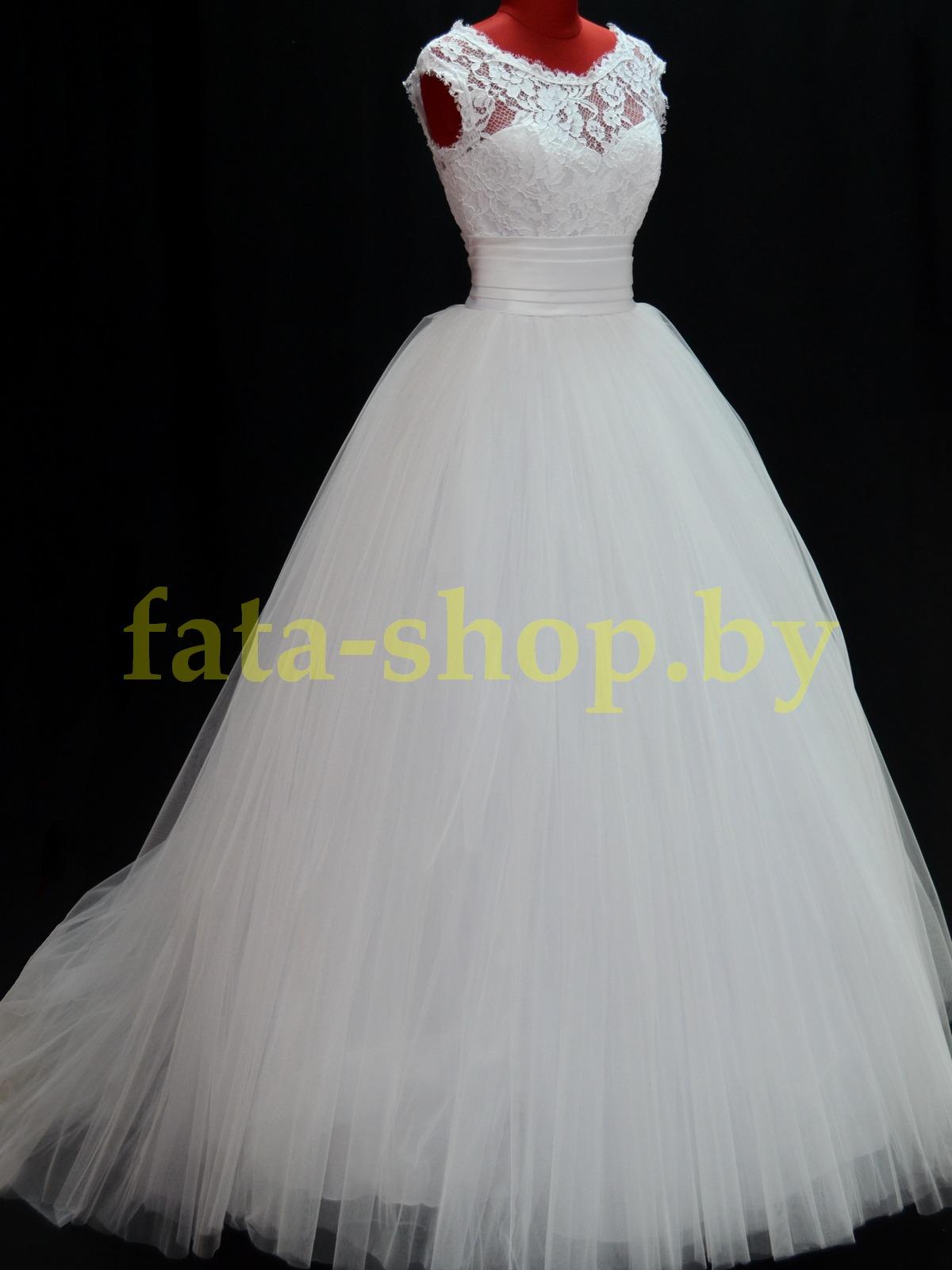 Пышное свадебное платье с закрытым верхом R15203